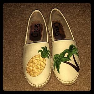 3663286b7 Circus by Sam Edelman Shoes - Flat espidrilles with pineapple and Palm tree